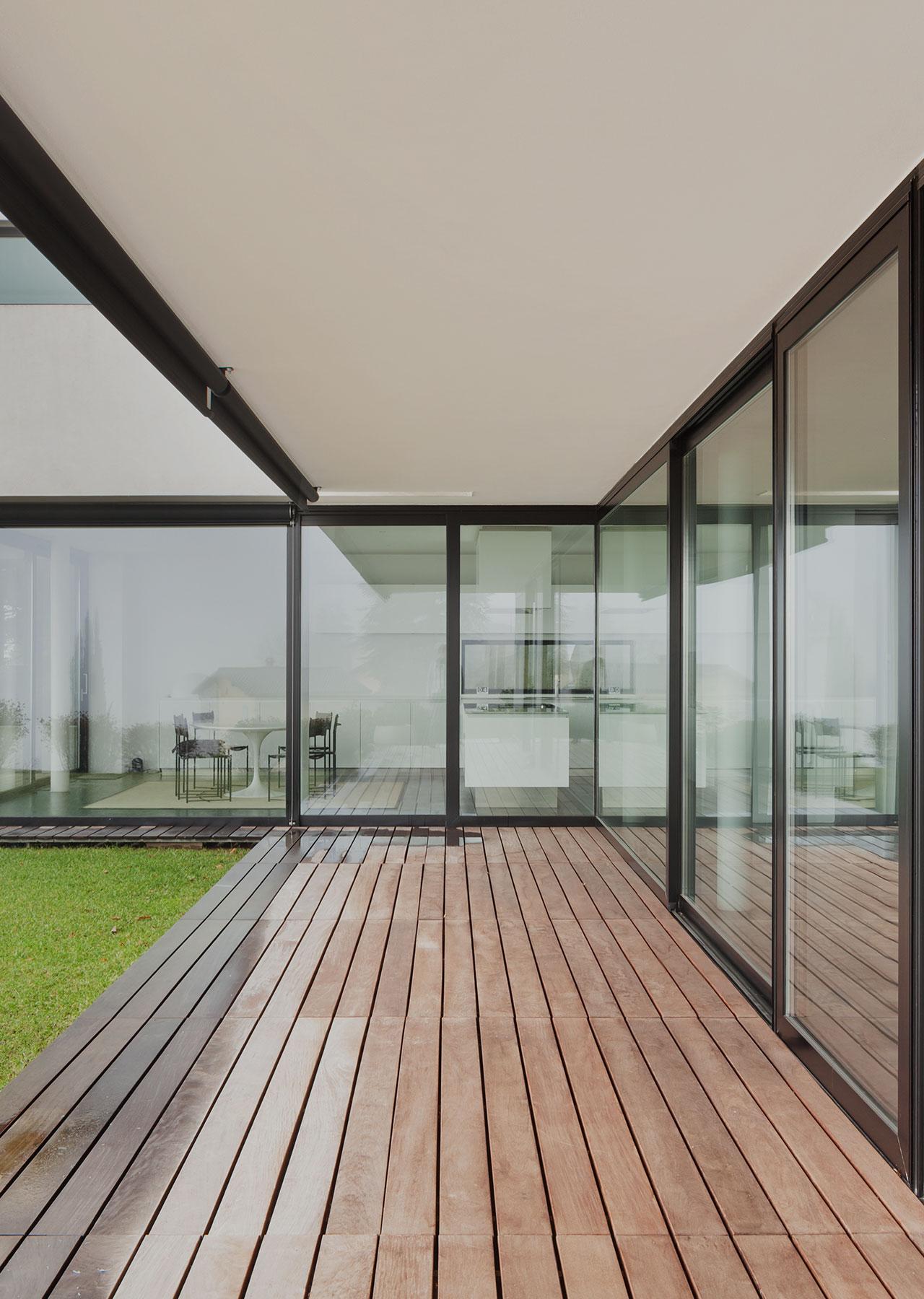 home fenster aus polen. Black Bedroom Furniture Sets. Home Design Ideas